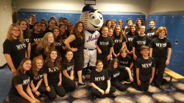 Suffolk Concert Choir and Mr. Met_7.31.2016